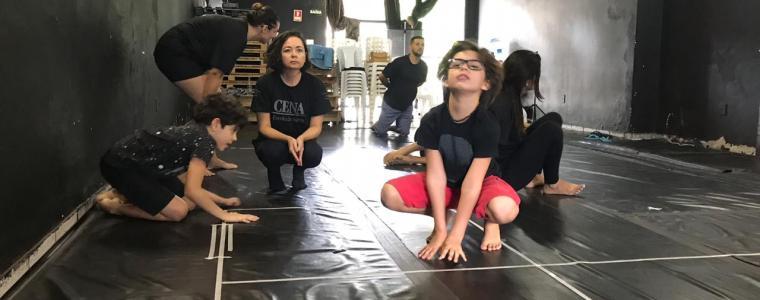 Exercício de mimese do Grupo criAtua